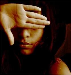 DSM-5 ajuda a perpetuar mito da loucura feminina